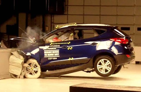 IIHS_Hyundai_Tucson_crash_test.jpg